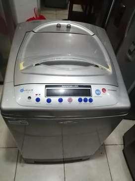 Lavadora 32 libras digital, grande haceb, buen estado