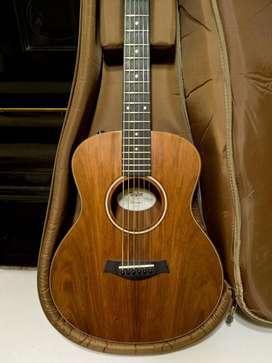 Guitarra electroacústica Taylor GS Mini-e Koa c/funda original - tomo p/pago