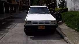 Vendo camioneta mazda B 2200 modelo 89