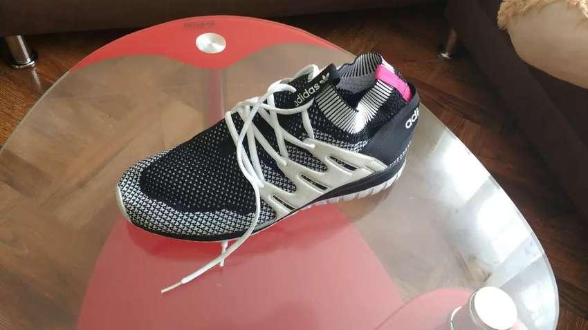 Zapatos deportivos.