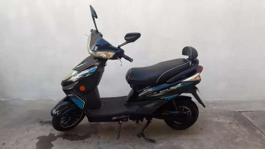 Moto eléctrica luky layon 0