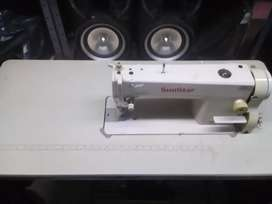 Maquina de coser Suntar