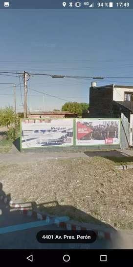 Vendo exelente terreno en santa fe capital barrio barranquita sobre la avenida presidente Perón y Córdoba tiren oferta ?