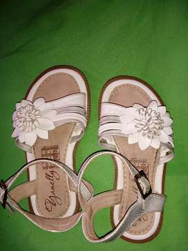 Sandalias de niña tallas 24, 26-27