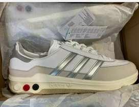 Zapatillas Adidas Galaxy tres tornillos