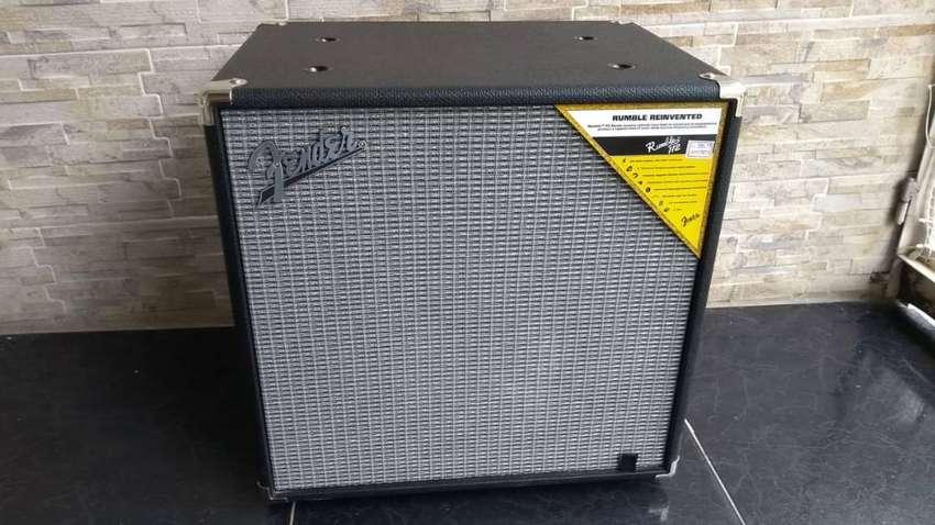 Cabina de Bajo Fender Rumble 112 de 250w nueva 0