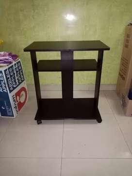 Mesa de tv pequeña