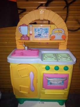 Se vende cocina para niña