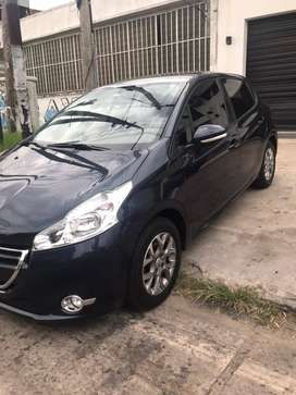 Vendo Peugeot 208 Allure touchscreen 1.6