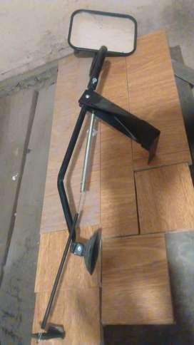 Espejos retrovisores quitapon para  colocar en el auto cuando se lleva casa rodante ..no fijos se ponen y s sacan .
