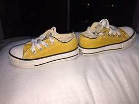 Lindos zapatos niño