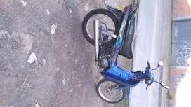 Moto azul cripton 2007 125 cc