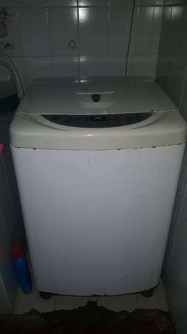Se vende lavadora marca LG