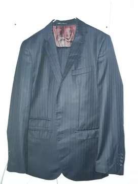 Vendo traje ambo marca el Burgue