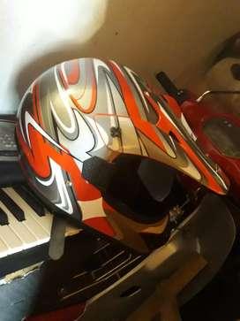 Vendo casco de moto como nuevo
