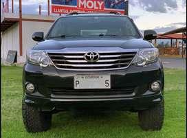 Toyota Fortuner 2,7 SR5 / Full