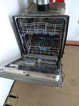 Lavavajillas y triturador de alimentos