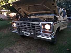 Ford F100 Deluxe