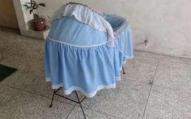 Cuna color celeste nueva para el bebe se vende en Loja