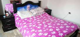 Vendo cama de madera, muy bonita, en excelente precio