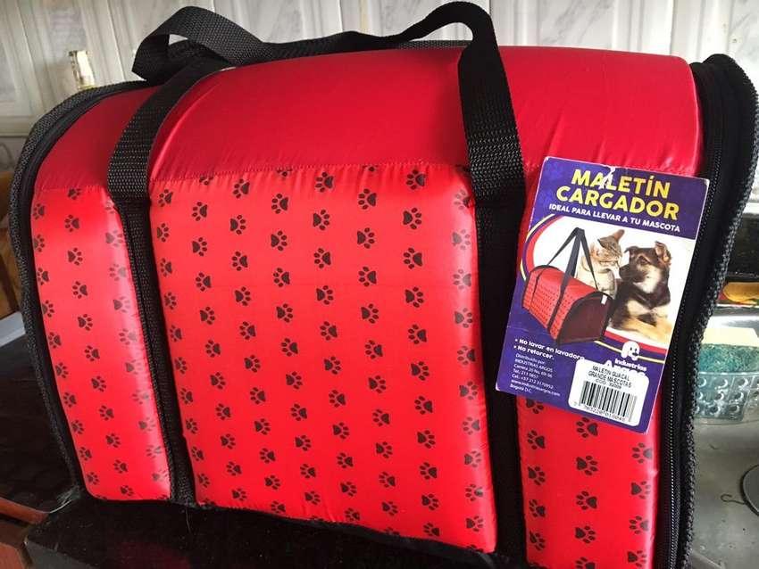 Cargador maletin para mascotas 0