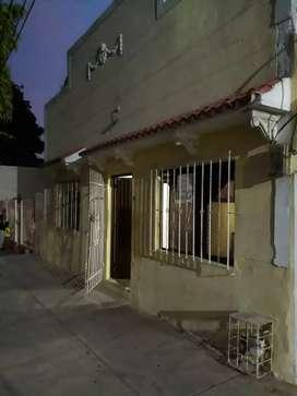 Casa ubicada en barrio Montes Excelente precio