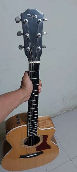 Guitarra taylor