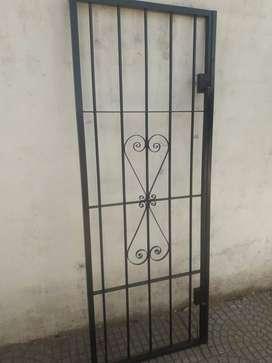 Reja puerta