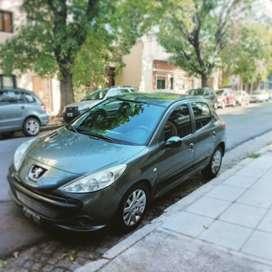 Vendo o permuto Peugeot 207 compact 1.6 full full