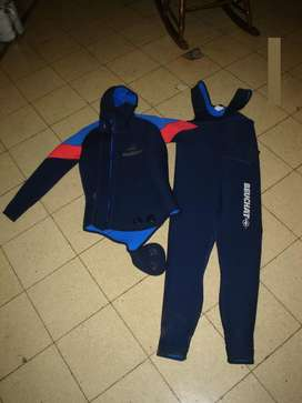Traje completo para buceo. Frances Beuchat