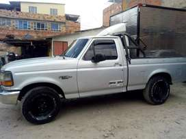Se vende camioneta troque 250 en excelente estado