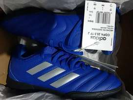 Vendo zapatillas Adidas talla33