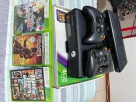 Vendo Xbox 360 slim con Kinect, excelente estado