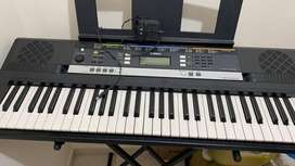 Piano Yamaha E243 en perfecto estado