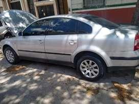 Vendo Volkswagen Passat 1.8 T naftero modelo 2002
