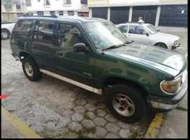 Se vende Ford Explorer del 95
