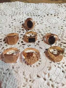 Venta de anillo, cadena y dijes de oro 18k usado