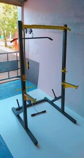 Todas las referencias de equipos gym Rack para sentadillas, jaula de potencia, bancos de ejercitación y mucho más