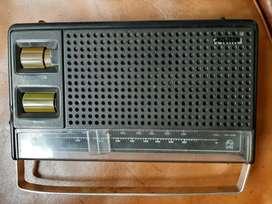 Radio transistor Philips osterrreich. Hecho en Austria. Funcionando.