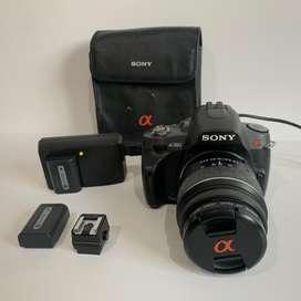 Cámara Sony Alpha 380 con lente 18/55mm