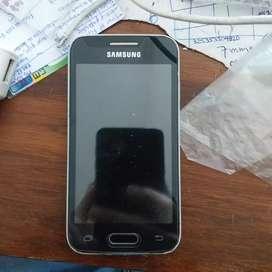 Celular Samsung Galaxy Ace 4 Neo para resucitar o para repuestos.