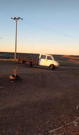 Vendo camión doble cabina