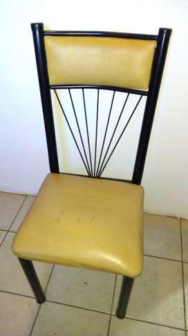 Silla y sillón de niños, ideal para retapizar.