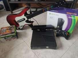 Xbox 360, 1 control, 9 juegos, sensor kinect y guitarra. Todo original.
