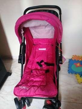 Coche y paseador para bebé