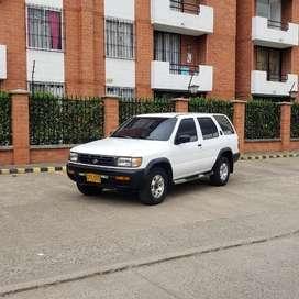Nissan Pathfinder 98