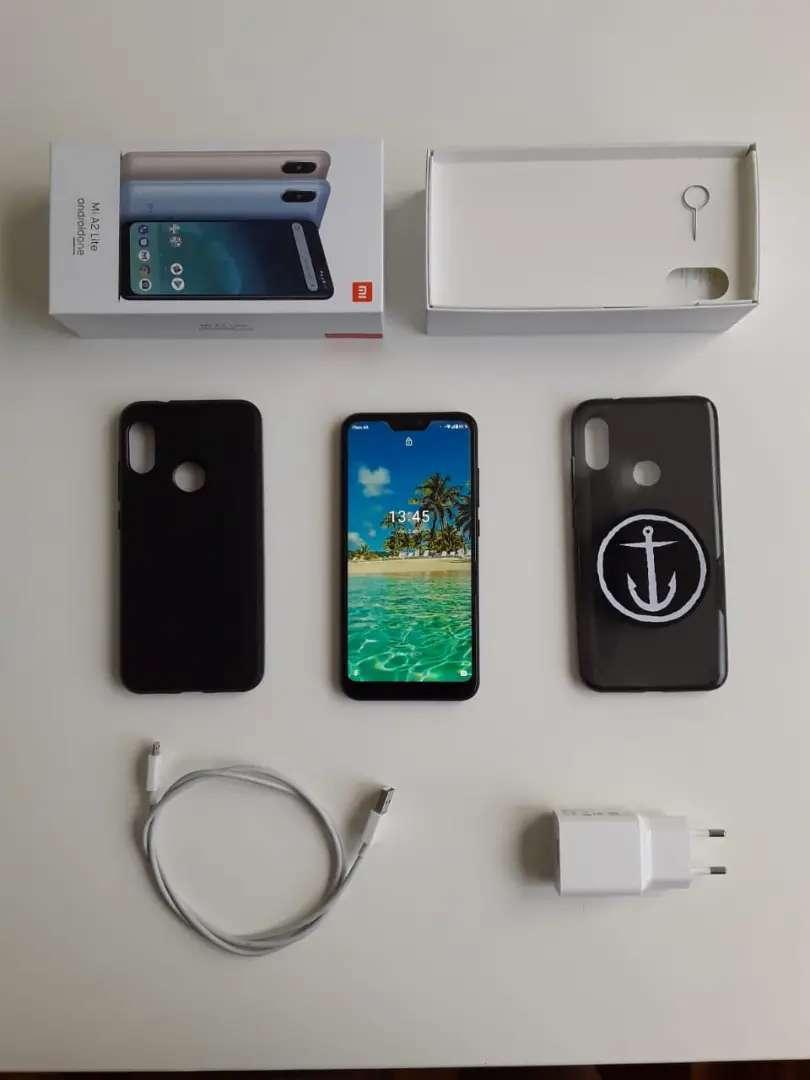 Xiaomi mí a2 lite, con 2 fundas y cargador original. Muy buen estado, 1 año de uso.