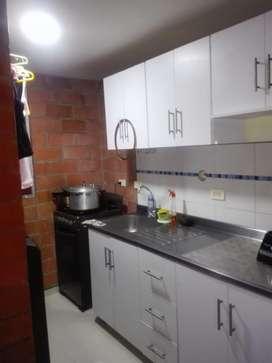 Se vende apartamento con dos alcobas, un baño con posibilidad de ampliacion de uba tercera alcoba con su respectivo baño
