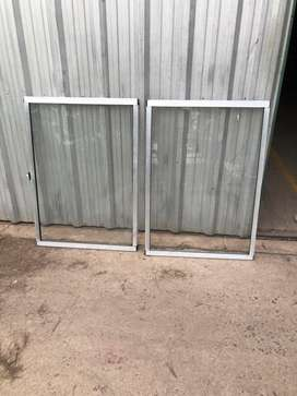 Ventana de aluminio con vidrio