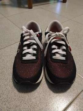 LIQUIDO!!! Zapatillas en muy buen estado NEW BALANCE